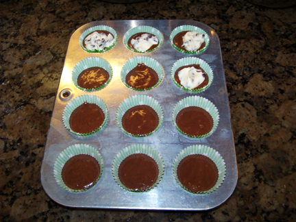 Making Cheesecake Filled Cupcakes