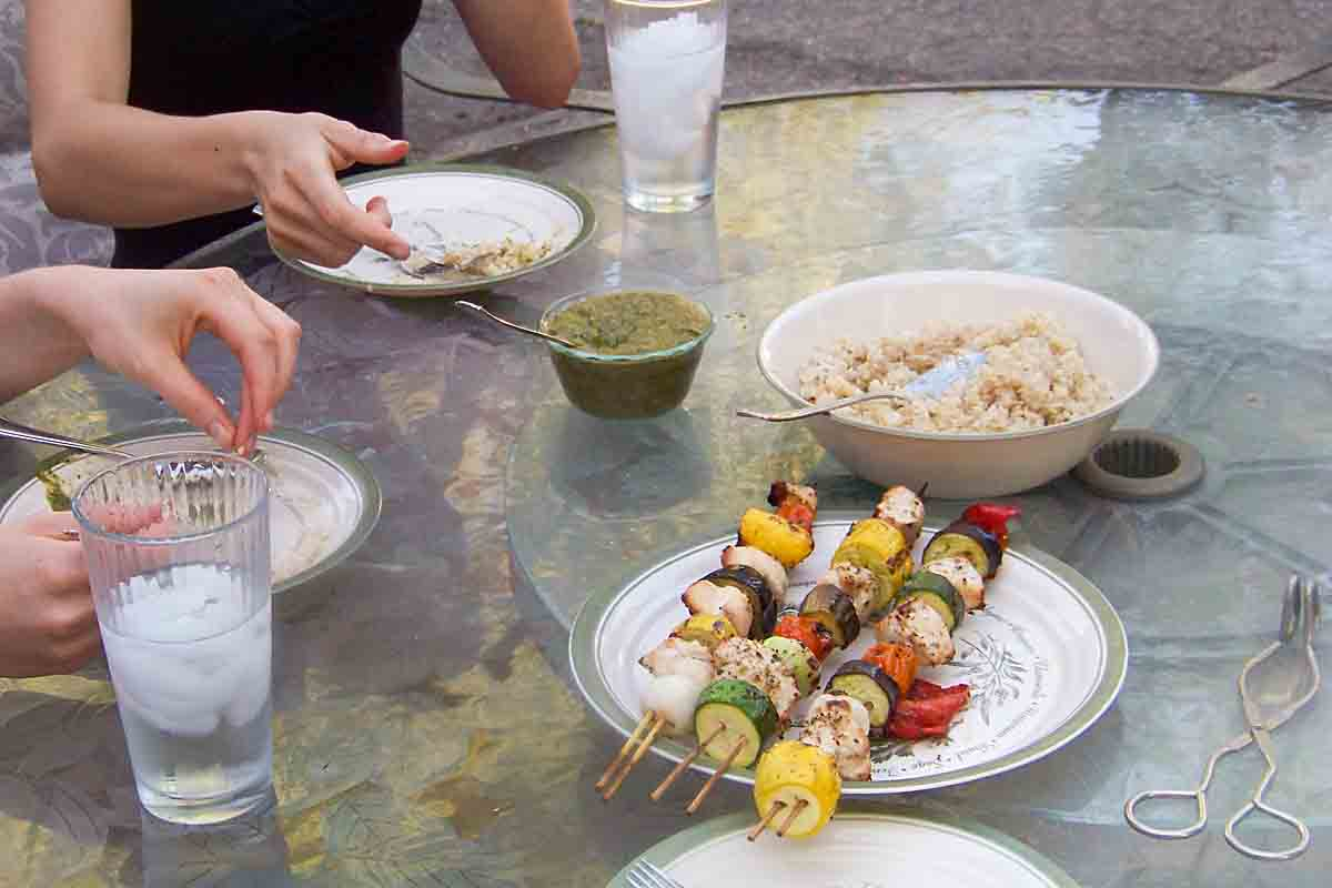 No Marinade Shish Kabobs are a delicious dinner--no advance planning needed! Drizzle meat and veggies with olive oil, season and grill.