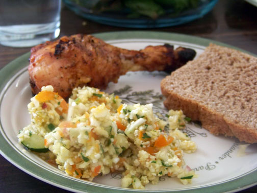 Tabouleh Salad with Chicken and Bread