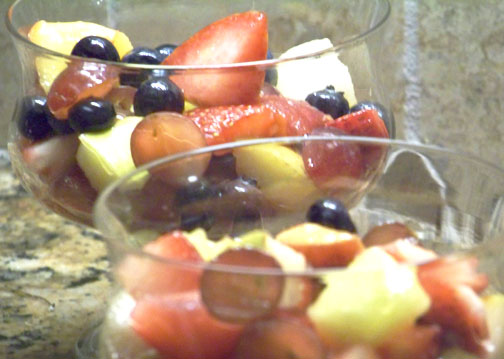 Fresh Fruit Salad (with a Simple Sauce)