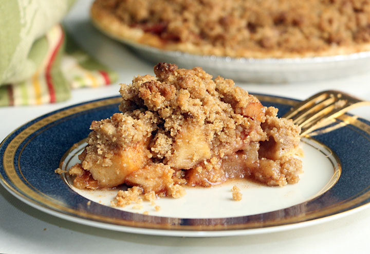 Original Betty Crocker French Apple Pie (with an efficiency trick!)