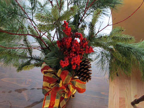 pine-add-holly