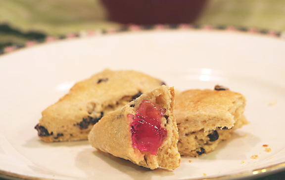Scone with violet jelly