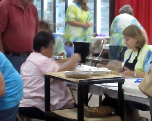 People checking in food at State Fair