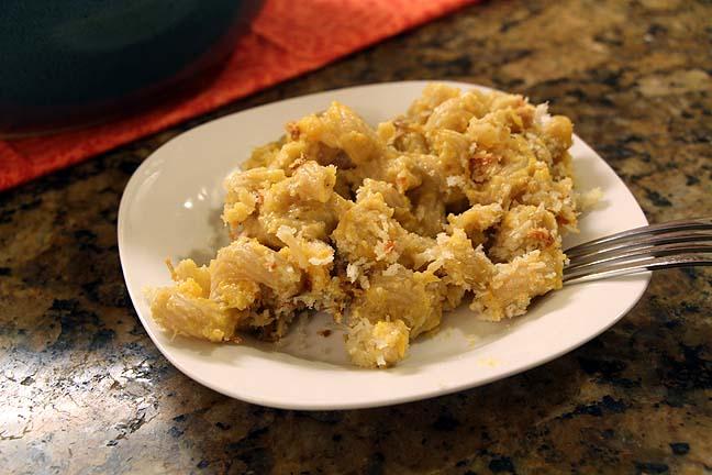 A plateful of mac n cheese