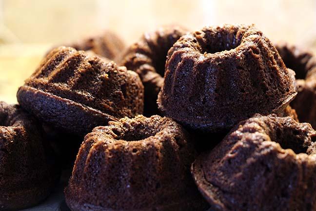 Minii chocolate bundt cakes