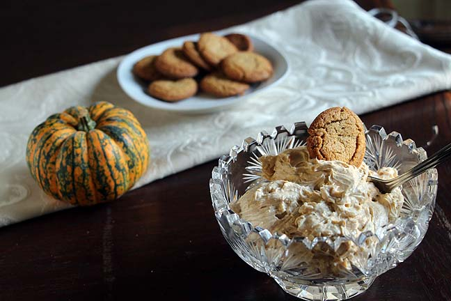 Pumpkin Cream Cheese with Ginger Cookies