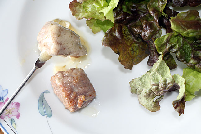 steak-fondue-with-salad