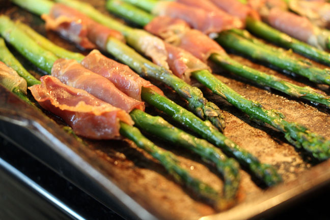 prosciutto wrapped asparagus out of oven