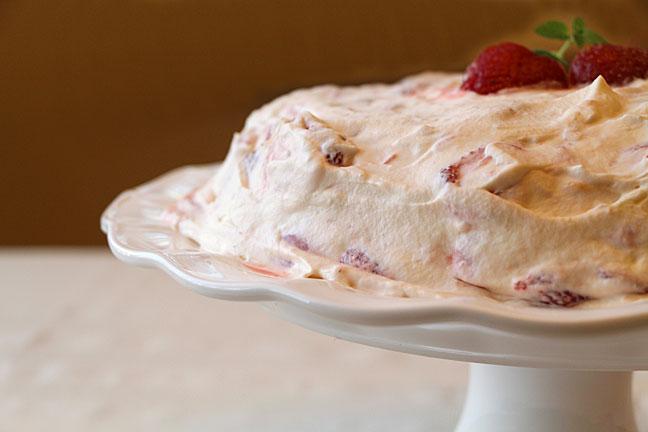 strawberry-meringue-garnish