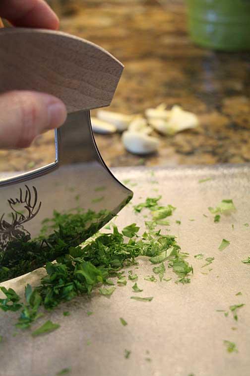 Garlic & parsley for garlic aioli