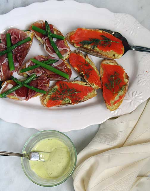 Open faced sandwiches with garlic aioli