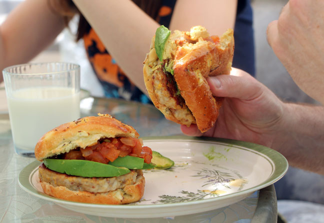 5  Easy Ways to Dress Up a Chicken Burger