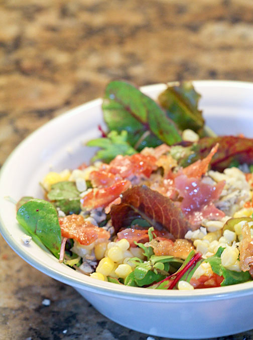 mason-jar-salad-served-2