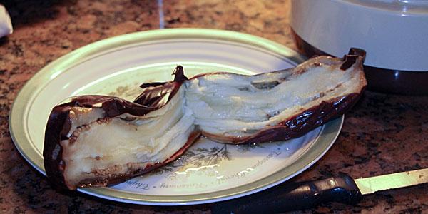 scrape-out-eggplant