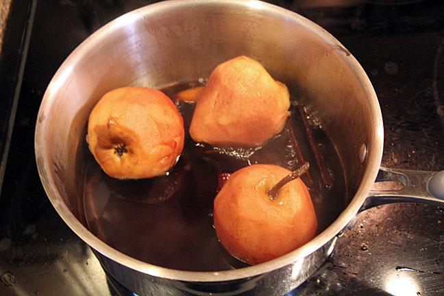 Making wine poached pears