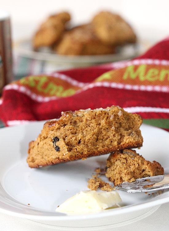 gingerbread-scone-cut