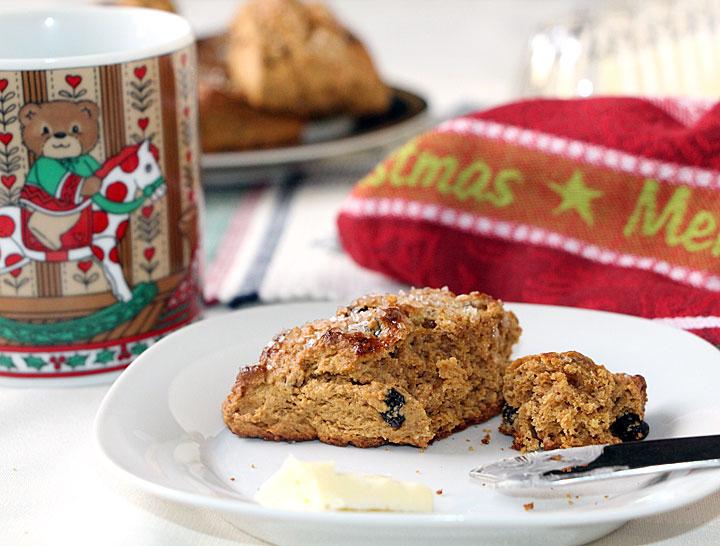 Gingerbread scones, served