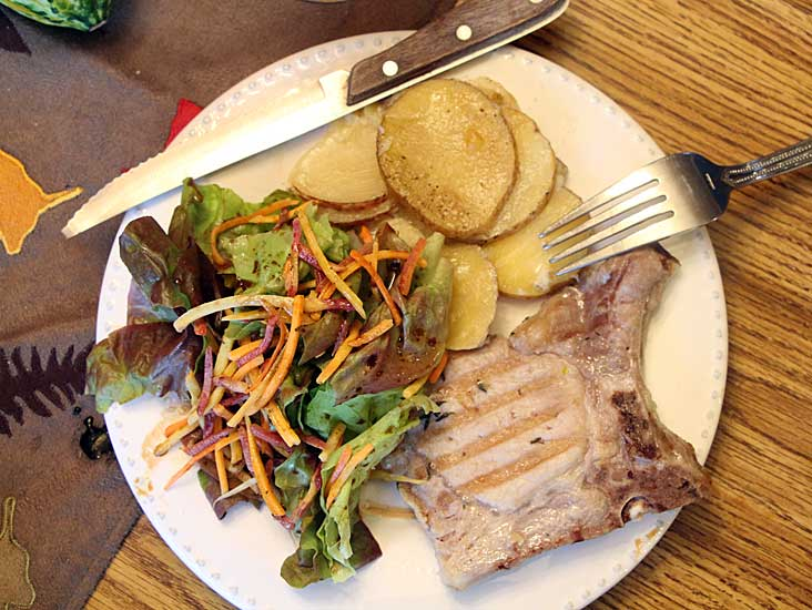 tender-pork-chop-from-above