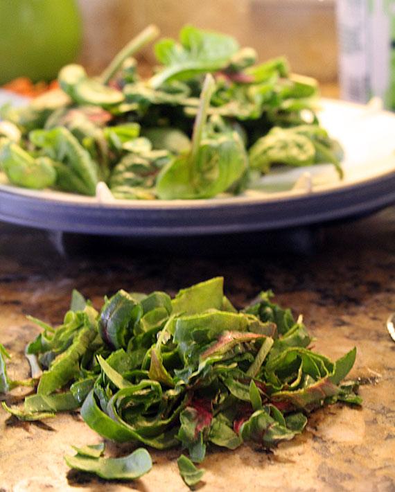 Julienned spinach for Egg Lemon Soup