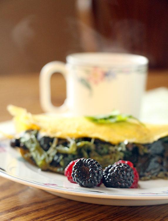 Mushroom & Lettuce Omelet with tea