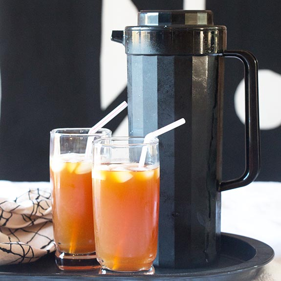 With Rooibos, black tea, lemon juice and ginger beer, this Botswanan Iced Tea will get you psyched for summer. The antioxidants are just a fringe benefit!