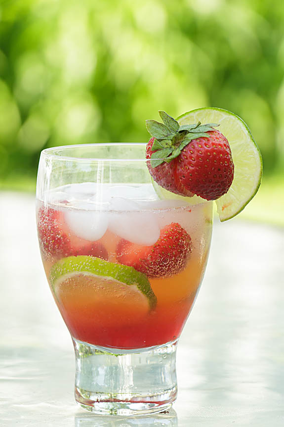 Summer is… finally… gloriously… here. What better way to celebrate than with Sparkling Strawberry Limeade.