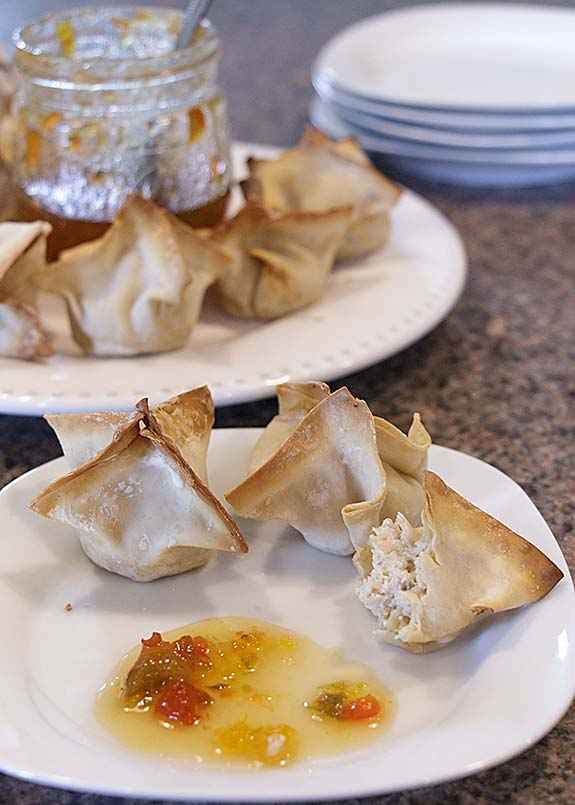 A healthy twist on a favorite appetizer, baked crab rangoon can be prepared baked instead of fried for a guilt free treat.