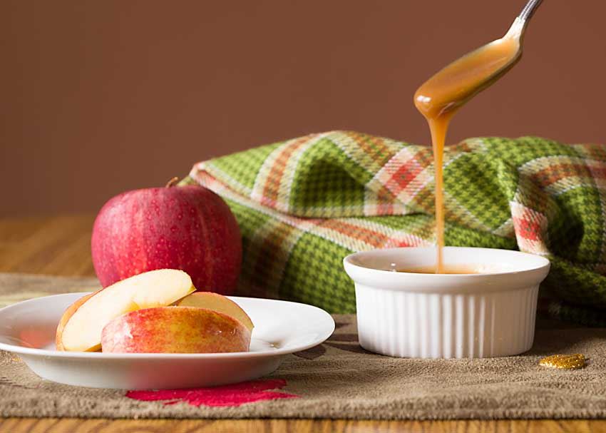 With just five ingredients, and ready in 10 minutes, this homemade caramel dip is perfect for dunking apples or topping ice cream or pancakes. Happy fall!