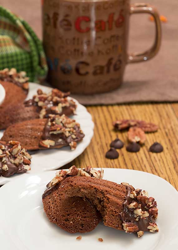 Flavored with chocolate, cinnamon & a little cayenne (or just chocolate if you prefer) Mexican Hot Chocolate Madeleines are an easy cookie/cake dessert!