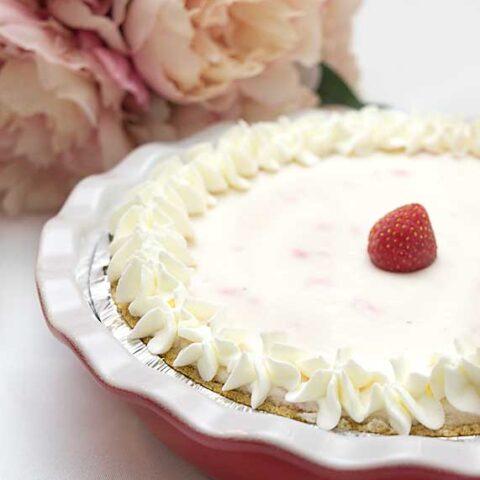 No-Bake Strawberry Yogurt Pie