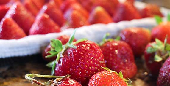 Easy to Freeze Strawberries for Winter