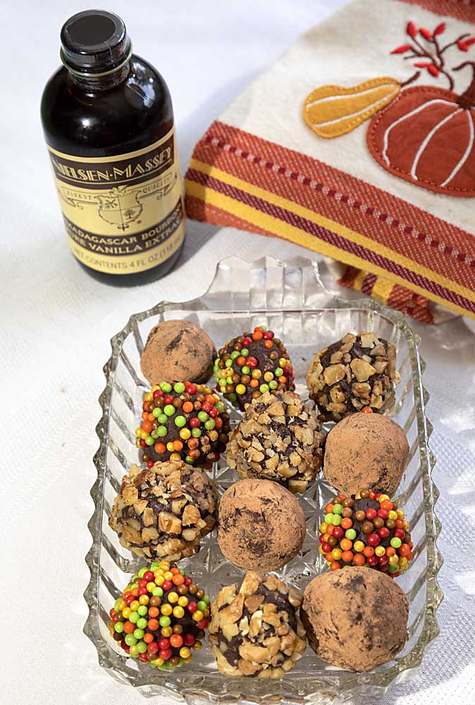 Easy and tasty these Autumn Decorated Chocolate Truffles are perfect for fall. Or change up the colors for any season. 'Cause chocolate is always in style.