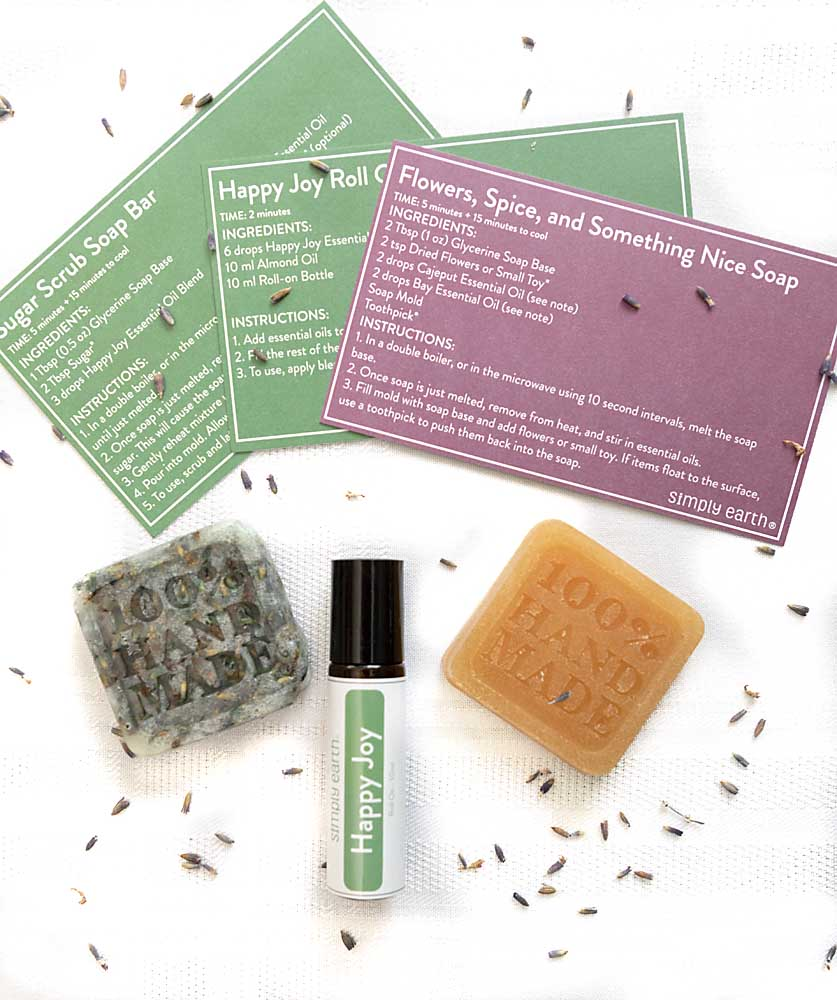 If you like essential oils, want great smelling dryer balls or like making fun products for the home, give the Simply Earth Essential Oil Recipe Box a try!