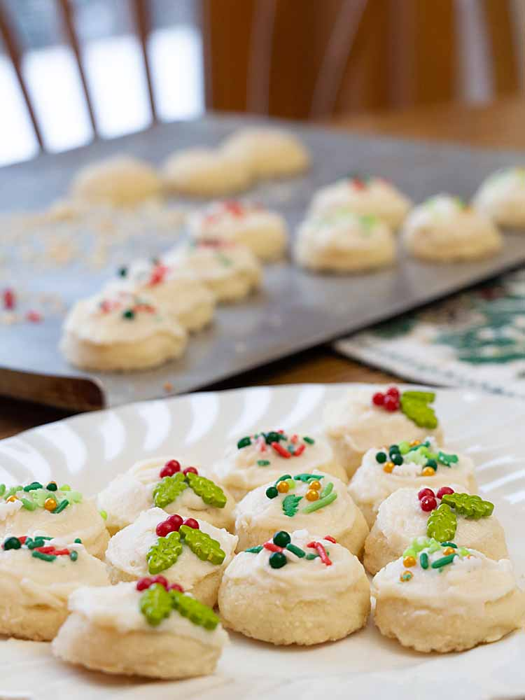 Lightly sweet, melt-in-the-mouth Melting Moments get a classic cookie makeover, turning them into Holiday Shortbread Balls.