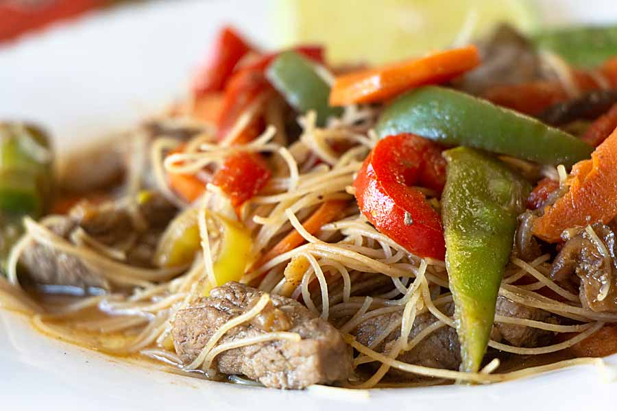 This Beef Stir Fry blends healthy carrots, peppers, mushrooms and snow peas with tender sirloin tips and a tasty sauce.  Add rice noodles for a complete meal.