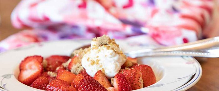 Strawberries with Sour Cream and Brown Sugar