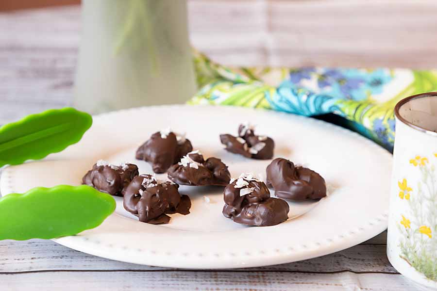 Crunchy, chocolatey & healthier than the average treat, chocolate nut clusters are easy to make and adaptable to low-carb, sugar-free and gluten-free diets.