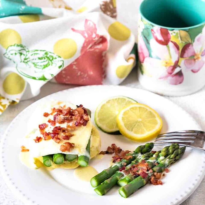 Easy Eggs Benedict with Asparagus