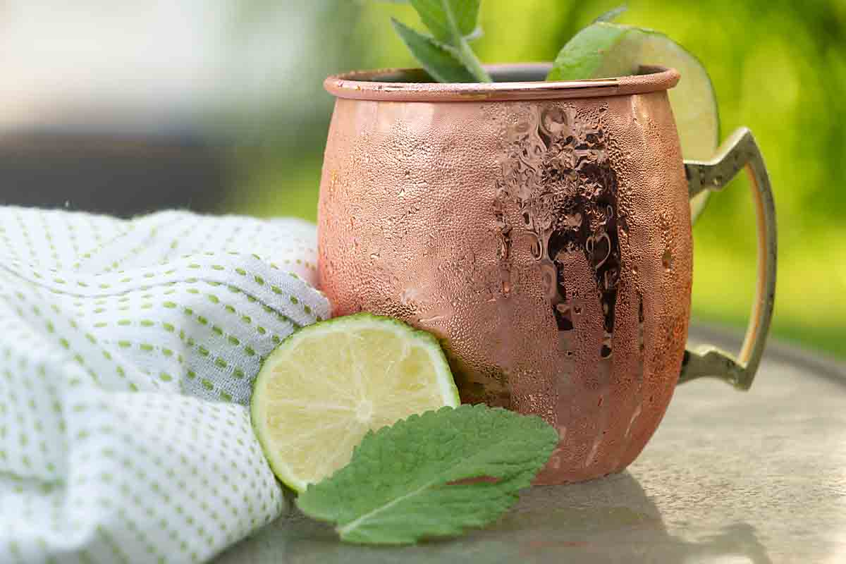 Based on the Moscow Mule, the Kentucky Mule blends Bourbon, lime juice and ginger for a refreshing and flavorful cocktail.