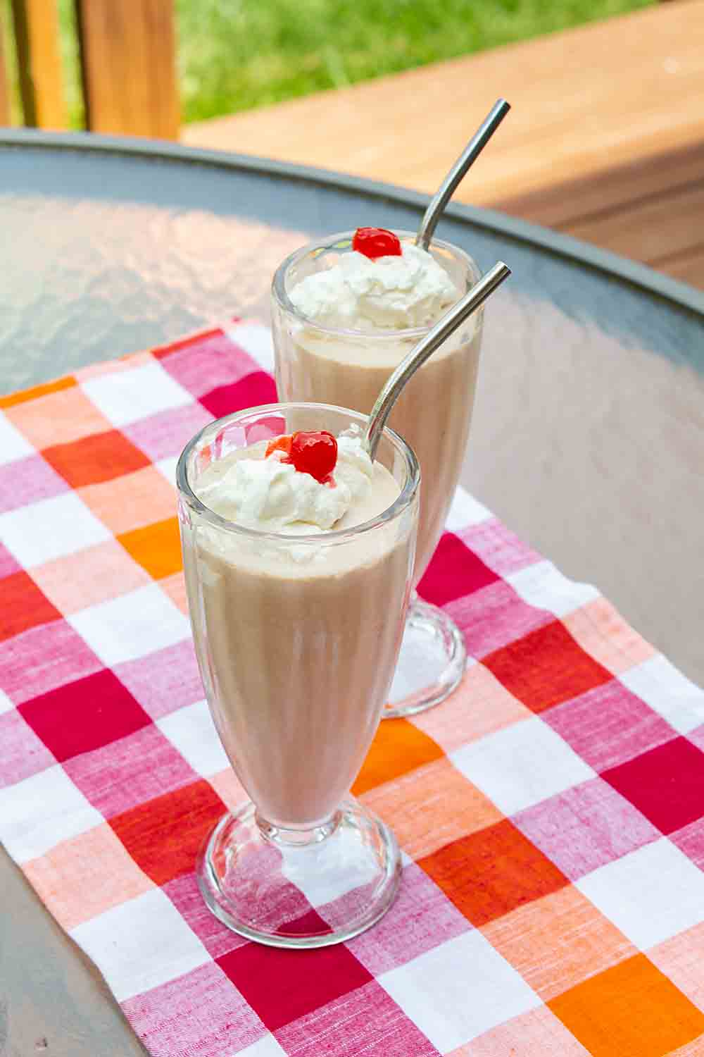 Like an extra flavorful chocolate shake, a chocolate malt gives a nod to tradition and a big boost to flavor for this beverage or dessert.